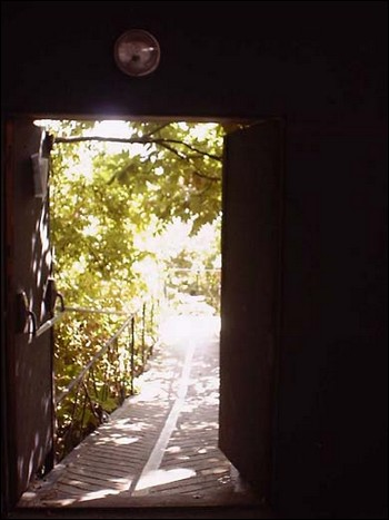 P riph ries a la parole errante montreuil les for Porte qui s ouvre