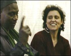 Marie-Rose Moro avec le père d'un patient